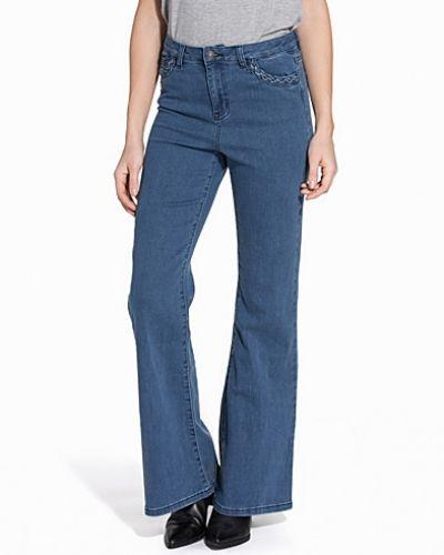 Blå bootcut jeans från Vero Moda till dam.