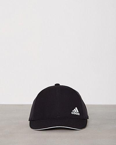Till dam från adidas Sport Performance, en svart huvudbonad.