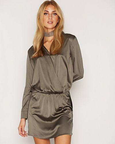 Till dam från Replay, en grön klänning.