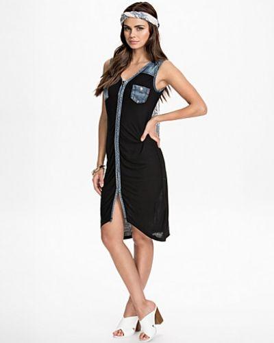 W9970 Dress Replay klänning till dam.