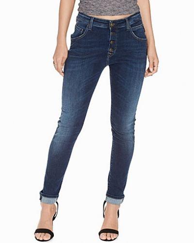 Till dam från Replay, en blå slim fit jeans.