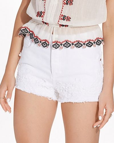 Shorts White Crochet Hem Denim Short från Miss Selfridge