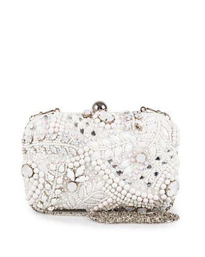 Till tjejer från Miss Selfridge, en vit kuvertväska.