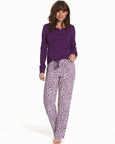 Till dam från Calvin Klein Underwear, en lila pyjamas.