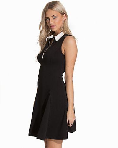 Zip Collar Skater Dress New Look klänning till dam.